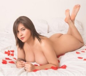Kallista chinese escorts Sutton-in-Ashfield, UK