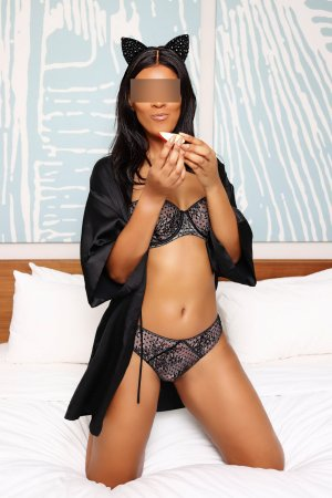 Marie-roselyne escorts in Land O' Lakes